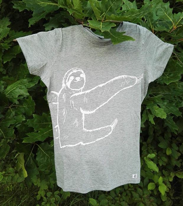 Sitzendes-Faultier-Sibbel-Shirt-3