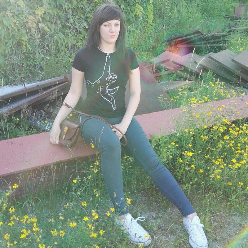 kletterndes-faultier-hanna-shirt-2