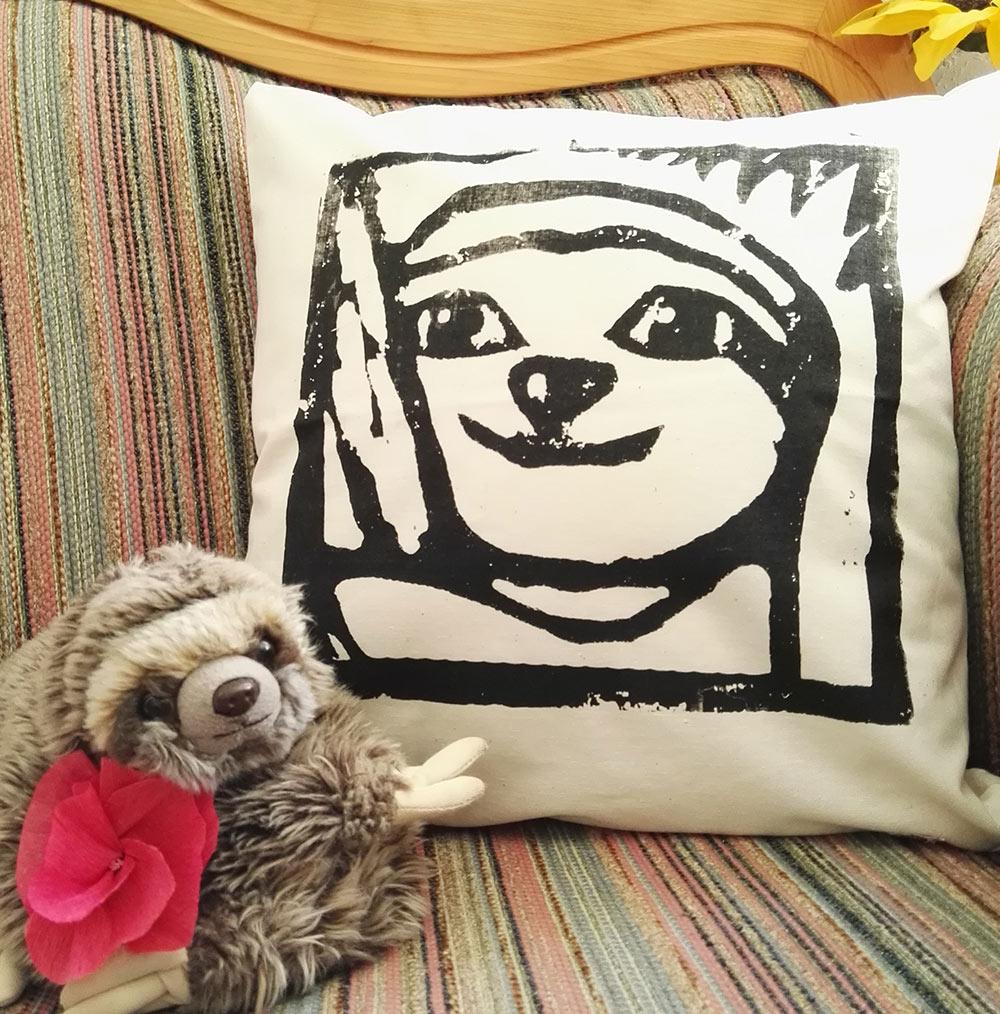 lovely-sloth-kissen-mit-panki-lovelysloth