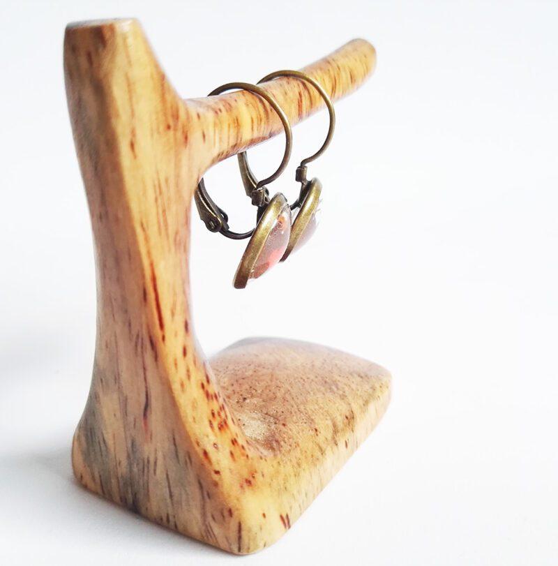 Faultier Ohrring Silber braun nahaufnahme seitlich