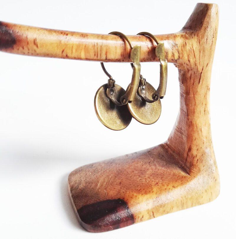 Faultier Ohrring Silber braun nahaufnahme verschluss rückseite