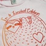 babykleidung Babyshirt Biobaumwolle Siebdruckmotiv Faultier rosa