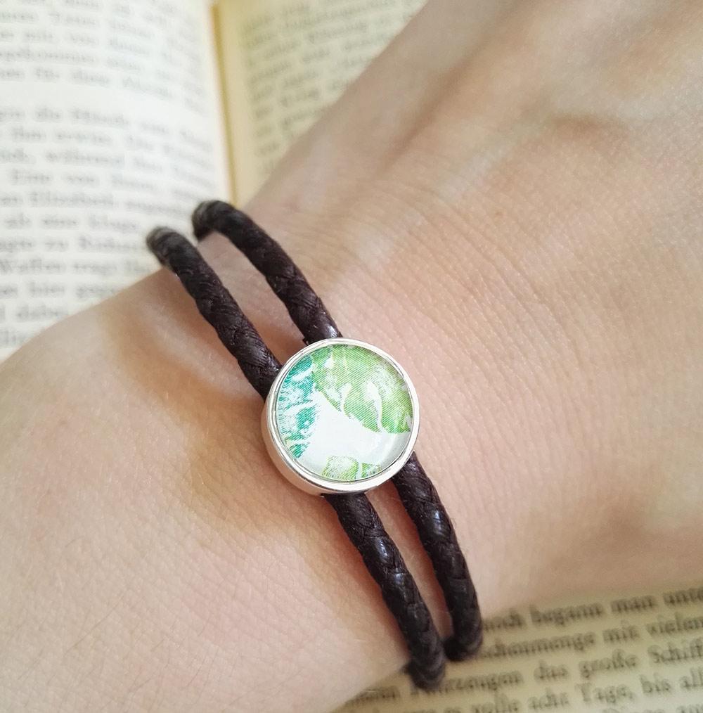 dschungel-armband-perle-am-arm-lovelysloth
