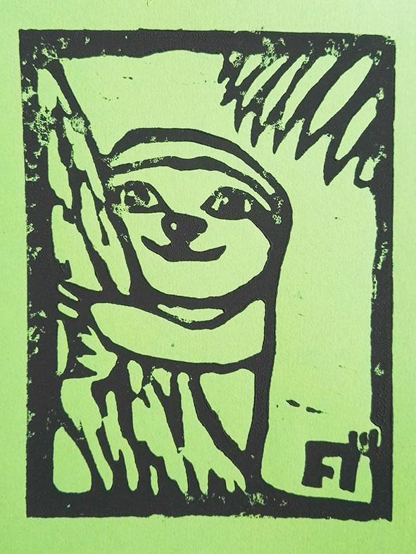 linoldruck-auf-gruenem-papier-lovleysloth