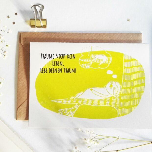 postkarte-traeume-nicht-dein-leben-lebe-deinen-traum-lovelysloth