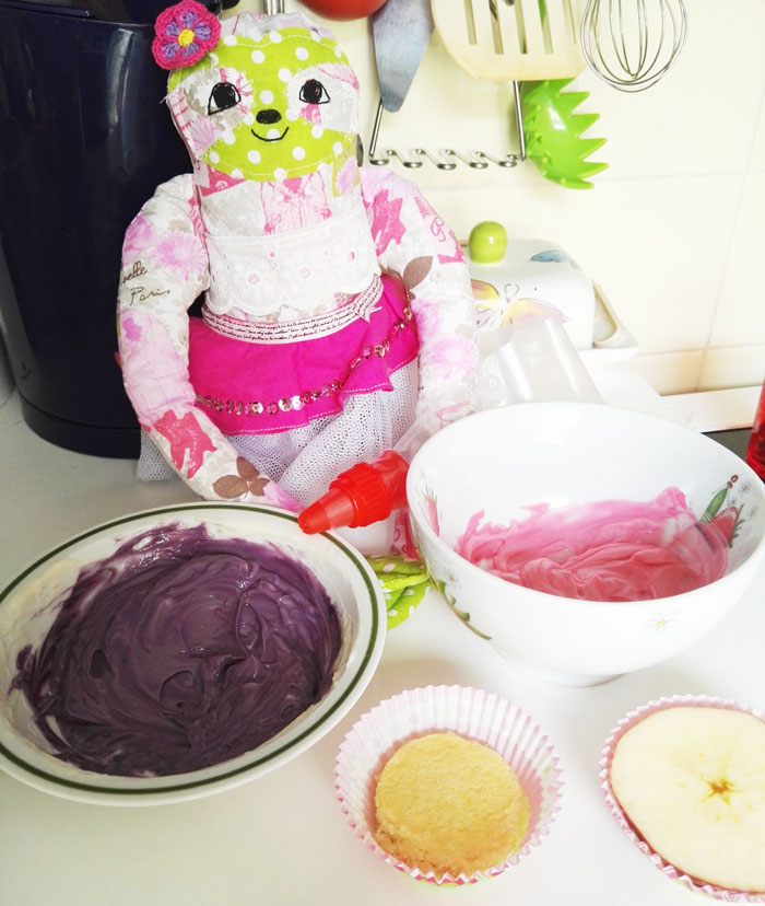 frosting-cupcakes-lovelysloth