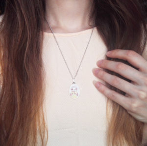 kinder halskette-oval-silberfarben-faultier-eis-sunny-beispiel-lovelysloth