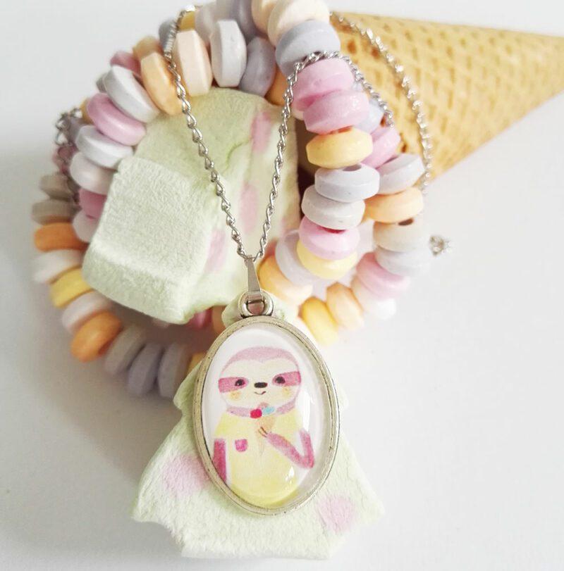 kinder halskette-oval-silberfarben-faultier-eis-sunny-lovelysloth